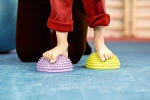 Płaskostopie u dzieci to wypłaszczenie łuku podłużnego stopy