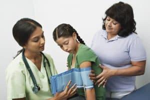 Pomiar ciśnienia u dziecka należy powtórzyć 2-3 razy.