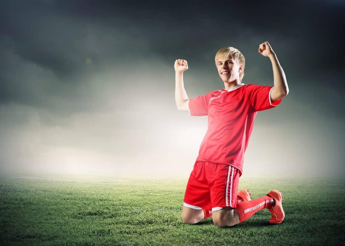dziecko uprawia sport