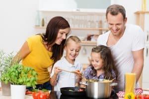Zdrowe nawyki żywieniowe warto wspólnie pielęgnować.