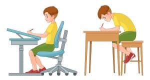 Prawidłowa pozycja siedząca pozytywnie wpływa na kręgosłup.