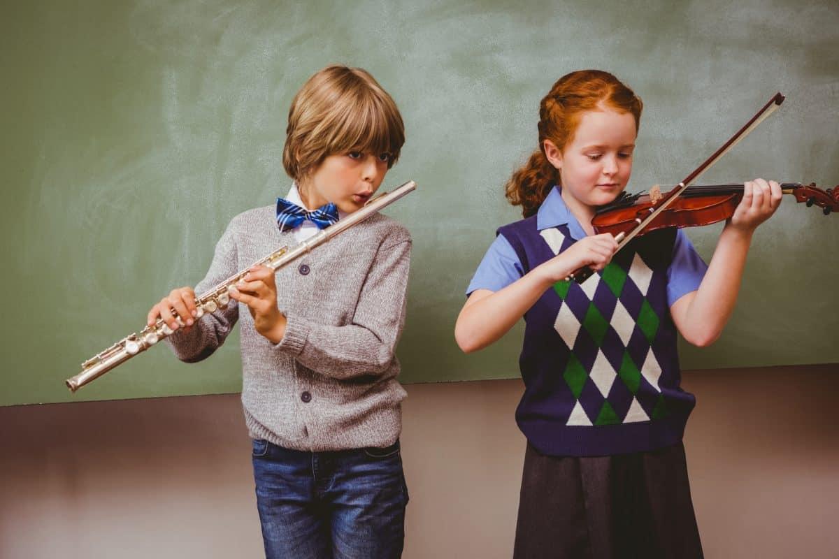 Lekcje muzyki w szkole - co mogą dać dziecku?