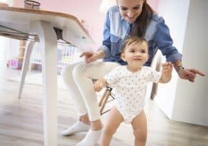 Ryzyko powstawania wad postawy w okresie noworodkowym jest minimalne.