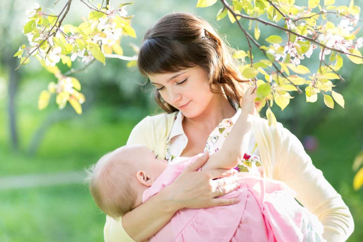 Zalety karmienia piersią - Nancy Mohrbacher