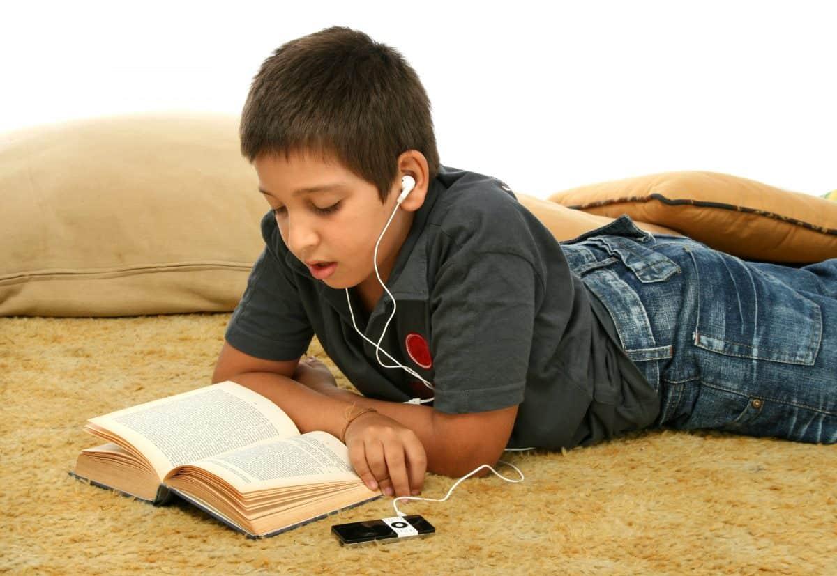 Słuchanie muzyki podczas nauki