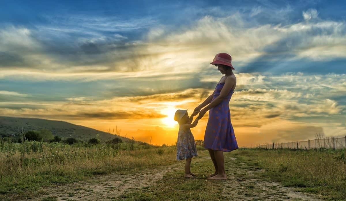 Symbiotyczna więź matki z dzieckiem