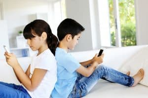 Uzależnienia XXI wieku to przede wszystkim internet i komputer.