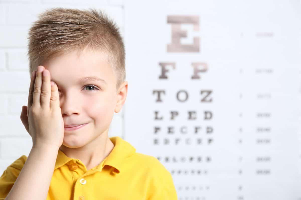 Wady wzroku u dzieci - astygmatyzm, krótkowzroczność