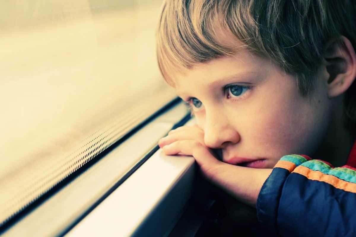 Spektrum autyzmu to zespół zaburzeń społeczno-poznawczych.