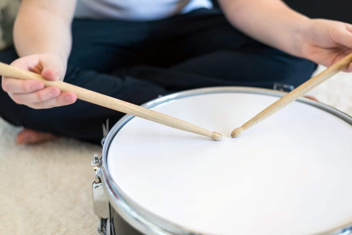 Muzykoterapia neurologiczna jest jedną z technik terapii muzyką.