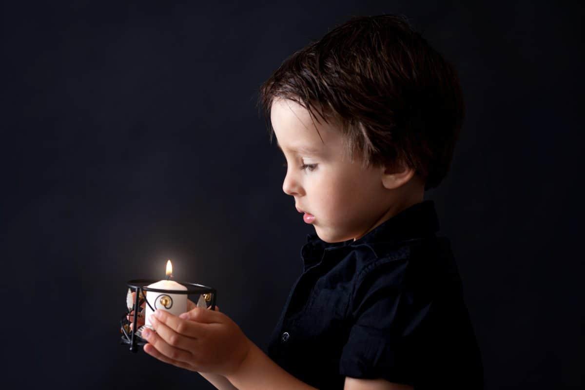 Jak dziecko przeżywa żałobę?